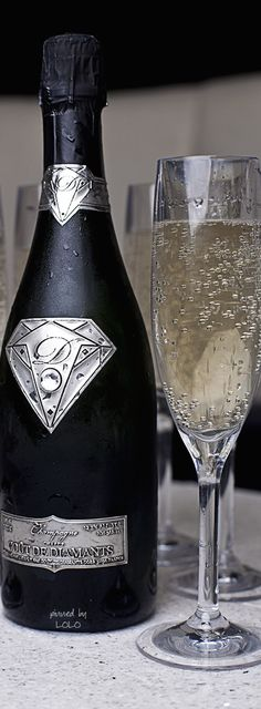 'Goût de Diamants' Champagne - It boasts a Logo of 18K Solid White Gold, that features a 19-carat Flawless Diamond, and an 18K Gold Label. $1,800,000.00 | Pin Edited by LoLo