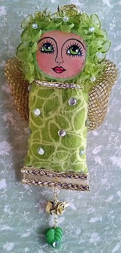 """Green Garden Fairy Dotee Doll for Swapbot Partner HeatherannB ~ """"Zelena"""" Felt Crafts, Fabric Crafts, Fabric Art, Kitsch, Spirited Art, Felt Patterns, Fabric Beads, Love Craft, Green Garden"""