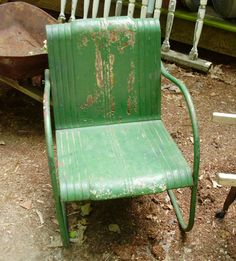 Always looking for vintage metal lawn chairs