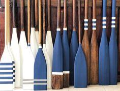 Using oars for interior design. Modern and contemporary coastal or beach decor i. - Using oars for interior design. Modern and contemporary coastal or beach decor inspiration - Coastal Homes, Coastal Living, Coastal Style, Coastal Decor, Beachy Cottage Decor, Painted Oars, Oar Decor, Deco Marine, Nautical Home