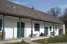 Cementlapmúzeum Traditional House, How Beautiful, Hungary, Design Elements, Countryside, Pergola, Farmhouse, Cottage, Outdoor Structures