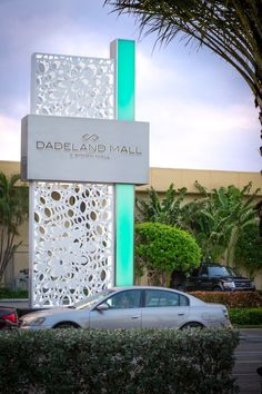 Dadeland Mall by 505Design - Kendall, Florida  #Architecture #Design #Interiordesign #Retail #shopping #Experience #Environmentalgraphics #signage #wayfinding #graphicdesign