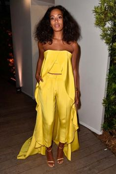 Solange, We Crown Thee Style Queen of Art Basel 2014 Die beste Promi-Mode von 2014 Art Basel Miami Beach – Solange Knowles von Solange Knowles, Miami Beach, Art Basel, Yellow Jumpsuit, Wedding Jumpsuit, Asymmetrical Tops, Christian Siriano, Mellow Yellow, Yellow Top