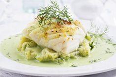 Baccalà con salsa di broccoli e cipolla di Tropea Swedish Recipes, Italian Recipes, Italian Cooking, Fish And Seafood, Chutney, Fish Recipes, Cod, Risotto, Mashed Potatoes