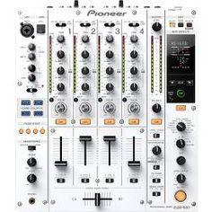 PIONEER MESA DJM-850. Color blanco. La DJM-850 está preparada para conectarse mediante Plug & Play y cuenta con efectos profesionales de estudio preconfigurados y accesibles con sólo tocar un botón. La mesa de mezclas incorpora todas las posibilidades del software de mezclas, liberando al DJ de acarrear con sus portátiles y permitiendo una experiencia como DJ mucho más natural.