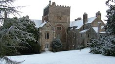 Sir Francis Drake lived in glory as a national hero while he was alive, but his spirit is obviously not a happy one. Both he and some accompanying 'hell hounds' are rumoured to haunt his former home.    Will you see the famous sailor? Buckland Abbey in the snow, Devon © Jon Cummins