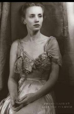 Jessica Tandy as Blanche DuBois in A Streetcar Named Desire.