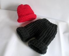 Newborn baby girl or boy hand knitted pants and by recyclingroom, $34.00