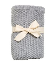 Gray melange. BABY EXCLUSIVE/CONSCIOUS. Moss-stitch knit blanket in soft, organic cotton. Size 27 1/2 x 27 1/2 in.