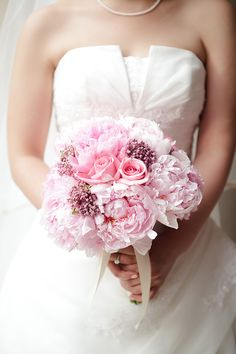 Pretty pink bouquet! Photography by wayneyuan.com,Floral Design by millefioriflowers.com