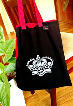 Crown Tote Bag Black Red Tote bag Handpainted by AtelierByLiza Red Tote Bag, Beach Tote Bags, Shopper Tote, Everyday Items, Rustic Signs, Travel Bag, Crowns, Shopping Bag, Hand Painted