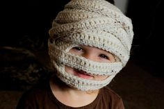 Ravelry: Mummy Halloween Hat (Sizes 6 mo to Lg. Adult) pattern by Tara Murray Crochet Kids Hats, Crochet Fall, Holiday Crochet, Crochet Beanie, Cute Crochet, Crochet Crafts, Crochet Projects, Knitted Hat, Crocheted Hats