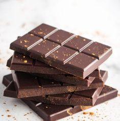 Homemade Chocolate Bars, Vegan Chocolate Bars, Chocolate Bonbon, Make Your Own Chocolate, Chocolate Chip Muffins, Chocolate Cups, Chocolate Peanuts, Homemade Chocolates, Chocolate Logo