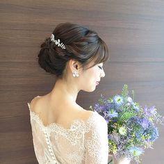 LINDA FACTORY official accountさんはInstagramを利用しています:「レースのボレロとブーケの色合いが夏らしくて涼しげです。透明感でてます✨ ・ *hair:narumi/make:mio* ・ #weddingdress #weddinghair #weddinghairstyle #bridalhair #bridalhairstyle #h…」 Bridal Hairdo, Wedding Hair Inspiration, Wedding Images, Hair Inspo, Wedding Makeup, Wedding Hairstyles, Hair Makeup, Wedding Day, Hair Color
