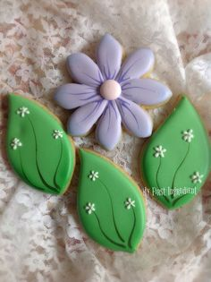 Spring Flower Cookies~ by My First Ingredient, purple, green leaves Mother's Day Cookies, Tree Cookies, Summer Cookies, Fancy Cookies, Easter Cookies, Birthday Cookies, Cupcake Cookies, Purple Cookies, Cupcakes