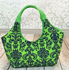 Lunch Tote with Handles | AllFreeSewing.com