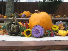 Fall Wedding Centerpiece Western Centerpieces, Fall Wedding Centerpieces, Pumpkin Wedding, Wedding Stuff, Wedding Ideas, Center Pieces, Artichoke, Fall Decor, Centre