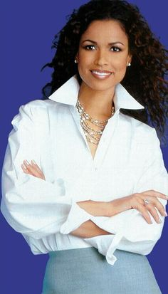 LOVE the White Blouse - tracey_edmonds