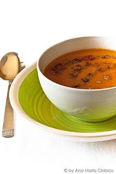 Mercimek çorbası / Ciorba de linte Turkish Kitchen, Romanian Food, Lentil Soup, Soups And Stews, Lentils, Italian Recipes, Cantaloupe, Dishes, Cooking