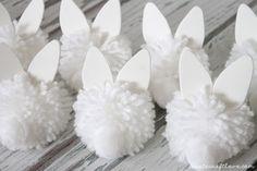 Rabbit Crafts, Bunny Crafts, Easter Crafts, Easter Decor, Kid Crafts, Bunny Birthday Cake, Pom Pom Decorations, Pom Pom Wreath, Paper Flower Decor