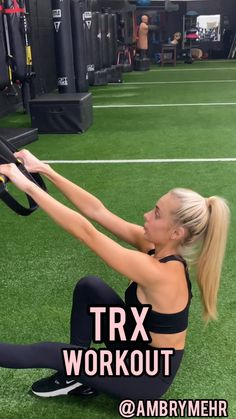 This quick and efficient TRX full body workout is good for beginners and advanced gym goers. It will burn your abs, booty and legs. Get a total body workout with just a TRX band. Trx Training, Strength Training, Gym Workout Videos, Gym Workouts, Trx Workouts For Women, Chest Workout Women, Full Body Dumbbell Workout, Total Body, Workout Bauch