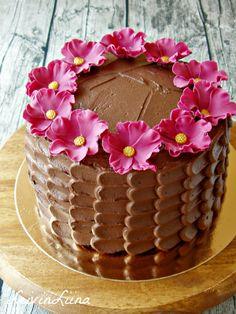LeivinLiina - Vadelmainen suklaa-espressokakku / Chocolate Esprezzo Cake with Raspberry
