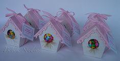 https://flic.kr/p/759QEw   Codinome Beija-flor   Casinha de passarinho em papel trabalhado para doces, balas... Para lembrancinha de maternidade, batizado, aniversários, etc