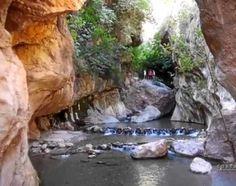 Imagen de http://www.lavozdealmeria.es/imglavoz/93481_65882_Fotograma-del-videoclip-con-Las-Canales-de-Padules_G.jpg.