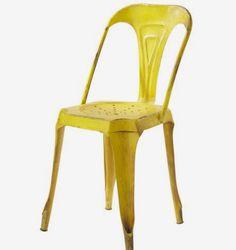 Un Classic Revisite Chaise Tolix De Couleur Jaune Photo Web Maisondumonde