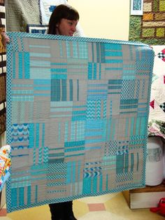 Easy to do - beautiful coloring Cute Quilts, Scrappy Quilts, Easy Quilts, Patchwork Patterns, Quilt Patterns, Quilting Ideas, Quilting Projects, Strip Quilts, Quilt Blocks