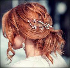 Simple Wedding Hairstyles, Bride Hairstyles, Down Hairstyles, Bridal Hair Down, Wedding Hair Down, Short Red Hair, Short Hair Styles, Mahogany Red Hair, Red Hair Brides