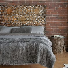 Vintage metal headboard, too complex a project but a very creative idea and beautiful design