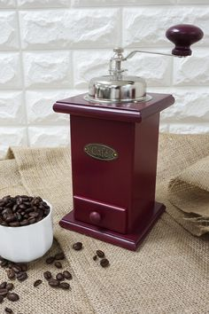 Premium manual coffee mill vintage wood series features with drawer, super convenient and easy to operate. Perfect for display or grind coffee beans. Best Coffee Grinder, Coffee Grinders, Jar Storage, Vintage Wood, Coffee Beans, Kitchenware, Holi, Manual, Retro