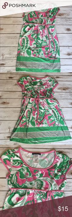Girls Paisley Pink and Green Dress So cute! Paisley print dress in pink and green. Features a pink front bow and tie back. The back part of the dress has an elastic waistband. Boutique Dresses Casual