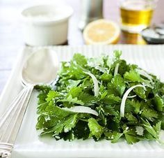 Yes a simple and delicious Chez Panisse recipe. Healthy Salad Recipes, Healthy Foods To Eat, Real Food Recipes, Healthy Eating, Parsley Salad, Herb Salad, Parsley Recipes, Raw Vegetables, Salads