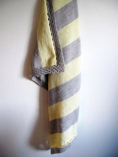 Beige and yellow knitted baby blanket by Pavlaknits on Etsy