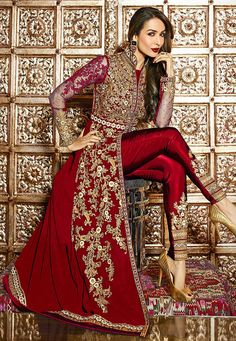 Looking to buy salwar kameez? ✓ Shop the latest dresses from India at Lashkaraa & get a wide range of salwar kameez from party wear to casual salwar suits! Abaya Fashion, Fashion Pants, Fashion Dresses, Pakistani Dresses, Indian Dresses, Trajes Anarkali, Indian Salwar Kameez, Salwar Dress, Designer Anarkali