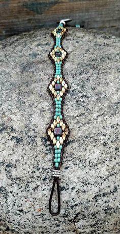 Beaded Leather Wrap Bracelet For Women Seed Bead Leather Wrap Bracelet Southwestern Jewelry Bohemian Jewelry – Du liebst Schmuck genauso sehr wie wir? Beaded Wrap Bracelets, Seed Bead Bracelets, Beaded Jewelry, Jewelry Bracelets, Handmade Jewelry, Diy Jewelry, Embroidery Bracelets, Handmade Beads, Bohemian Jewelry