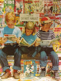 Man, I Wish I Had A Time Machine – Vintage Pictures of Newsstands & Kids Reading Comics Quentin Tarantino, Comic Art, Comic Books, Silver Age Comics, Romance, Read Comics, Kids Reading, Reading Books, Children's Books
