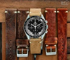 Instantly transform the look of your watch with our stunning collection of Vintage Watch Bands & Straps made from the best Italian leather and suede materials! Fossil Watches For Men, Vintage Watches For Men, Vintage Rolex, Luxury Watches For Men, Cool Watches, Vintage Omega, Omega Watch Straps, Omega Speedmaster Moonwatch, Watches Photography