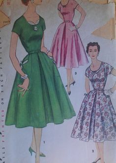 Vintage 50s Scoop Neckline Fit and Flare Day Dress Sewing Pattern 1080 B32