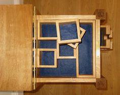 Dressing cabinet in oak, lined with felt.