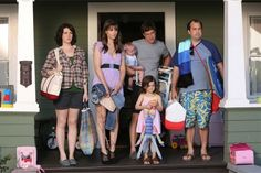 #Togetherness: confira promo do season finale