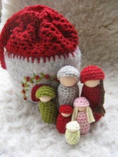 little people and house crochet