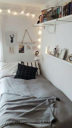 72 dorm room essentials create a stylish space for lounging studying & slee Dorm. 72 dorm room essentials create a stylish space for lounging studying & slee Dorm Room Decor Ideas C Small Room Bedroom, Bedroom Decor, Small Rooms, Small Spaces, Small Room Decor, Tumblr Rooms, Tumblr Room Decor, Tumblr Bedroom, Dressing Room Design