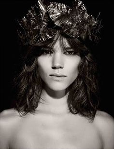 Mythology, the 2011 Pirelli Calendar photographed by Karl Lagerfeld, features…