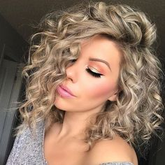 Spiral Perm vs Regular Perm: Spiral Perm Hairstyles and Tips - Part 23 afro bangs hair hair styles mujer peinados perm style curly curly Curly Hair Styles, Long Curly Hair, Curly Bob Hairstyles, Medium Hair Styles, Trending Hairstyles, Bob Haircuts, Blonde Curly Bob, Hairstyles 2018, Curly Girl