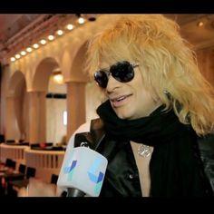 En tiedä, miksi hän on huivi yli hänen kasvonsa. 😉 For Suomalainen ihmisiä, täällä on hyvä michael haastattelu: http://www.ruutu.fi/video/2014050 #MichaelMonroe #Legend #Icon #HanoiRocks