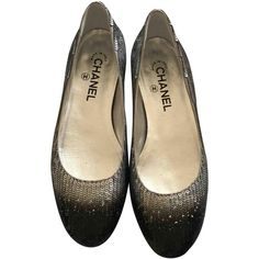 Pre-owned Chanel Leather Ballet Flats ($260) ❤ liked on Polyvore featuring shoes, flats, silver, ballet pumps, leather shoes, ballet shoes flats, chanel and ballerina shoes