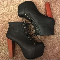 Black Jeffrey Campbell Litas Womens Size 9 Black Jeffrey Campbell Litas Womens Size 9. These bad boys are so comfortable it's ridiculous! In excellent condition minus some very minor fraying of the inner fabric (as shown in photos) No Trades. Jeffrey Campbell Shoes Platforms